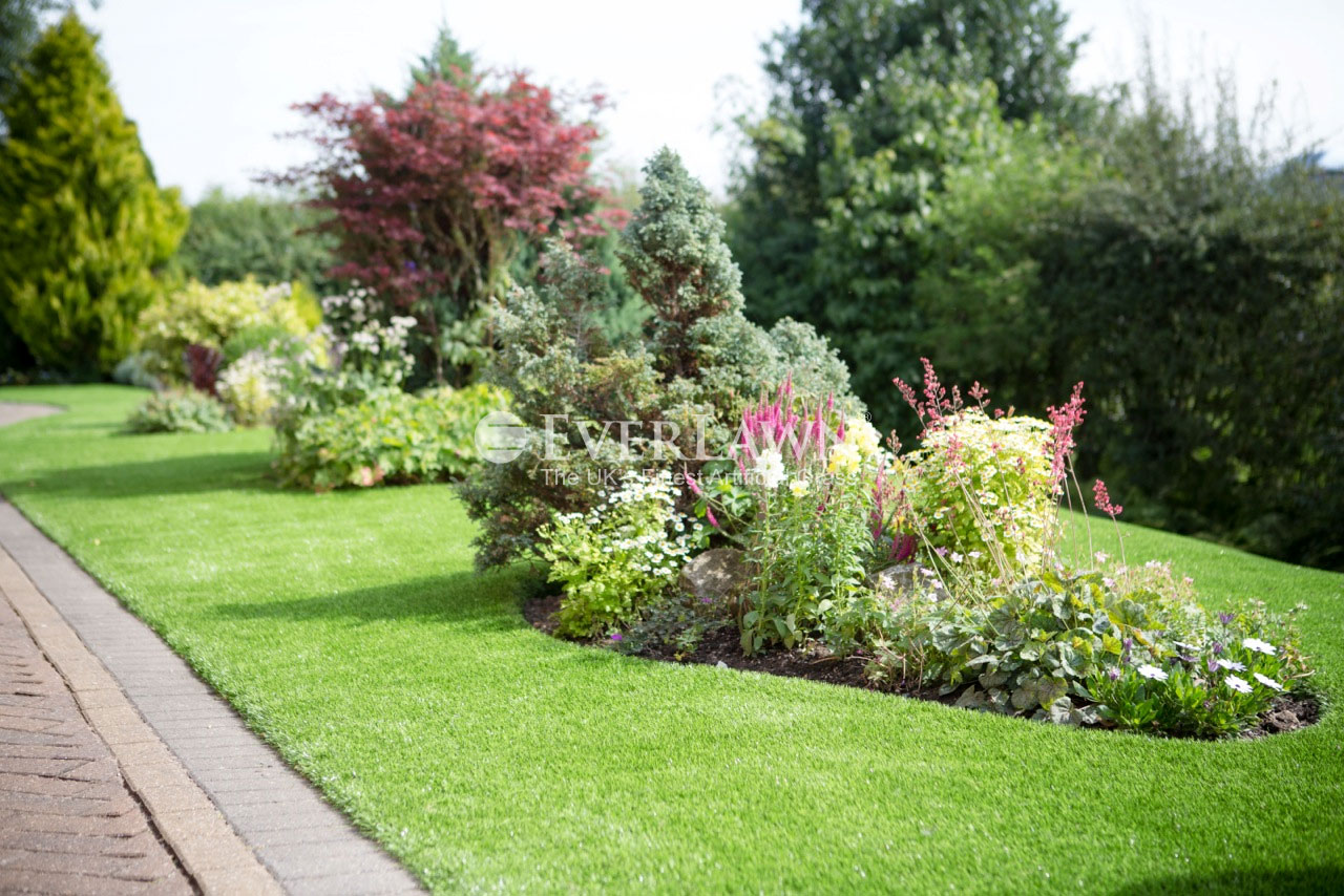 EverLawn-Artificial-Grass-in-Garstang-Lancashire-side-garden