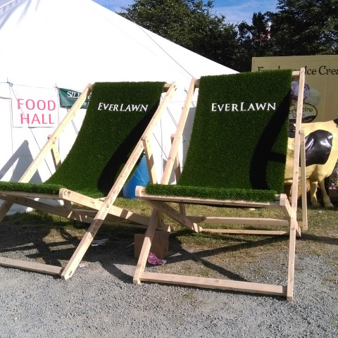 EverLawn Giant Artificial Grass Deckchair